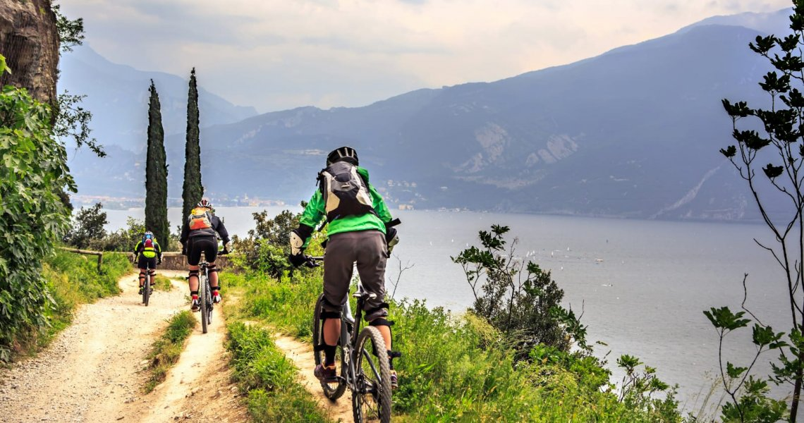 Incredibili Escursioni in Mountain Bike sul Lago